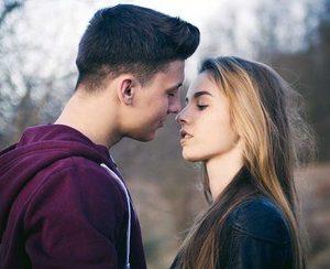 Как понять, что бывший парень до сих пор тебя любит? Топ 7 главных признака! фото